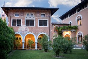 Luxury villa for sale one hour from Venice