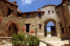 Umbria - Hamlet for sale