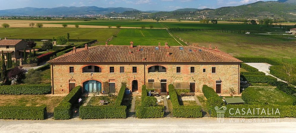 Cortona, Tuscany, restored apartment for sale