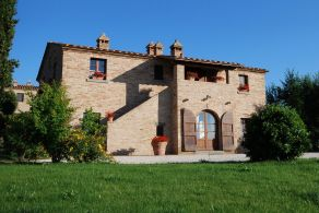 Tuscany - Country huose for sale