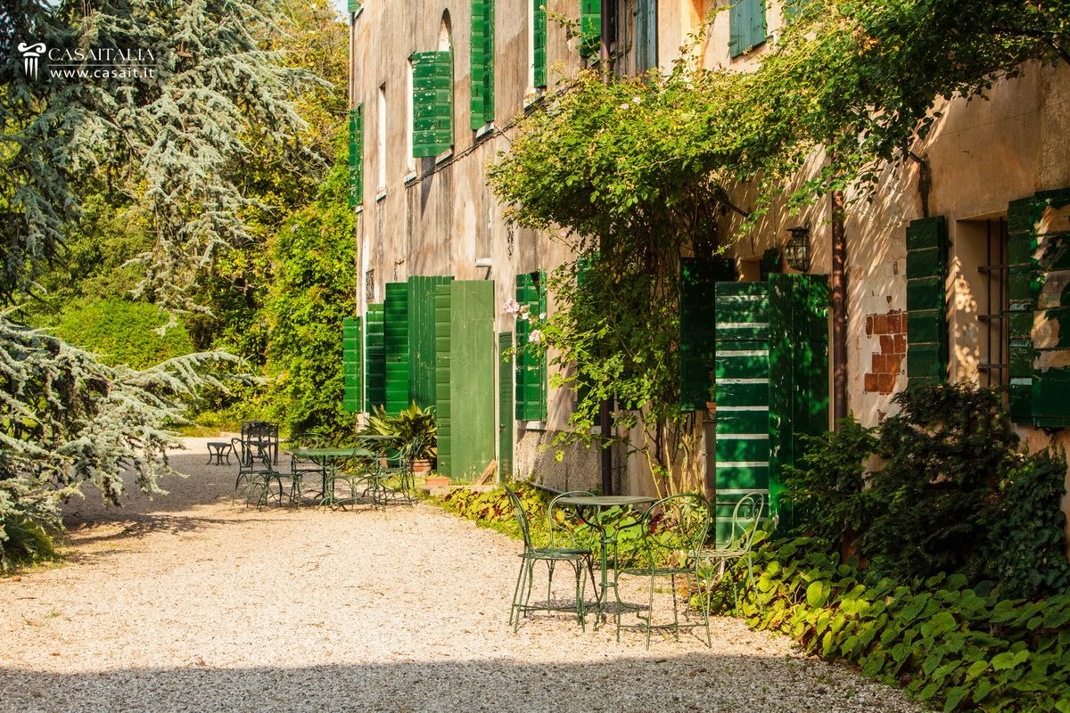 Luxury villa for sale near Asolo