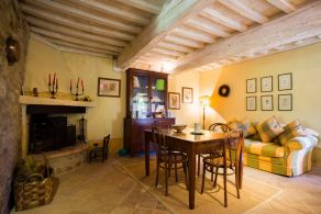 Todi - Apartment with garden for sale