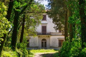 Period villa for sale in Umbria