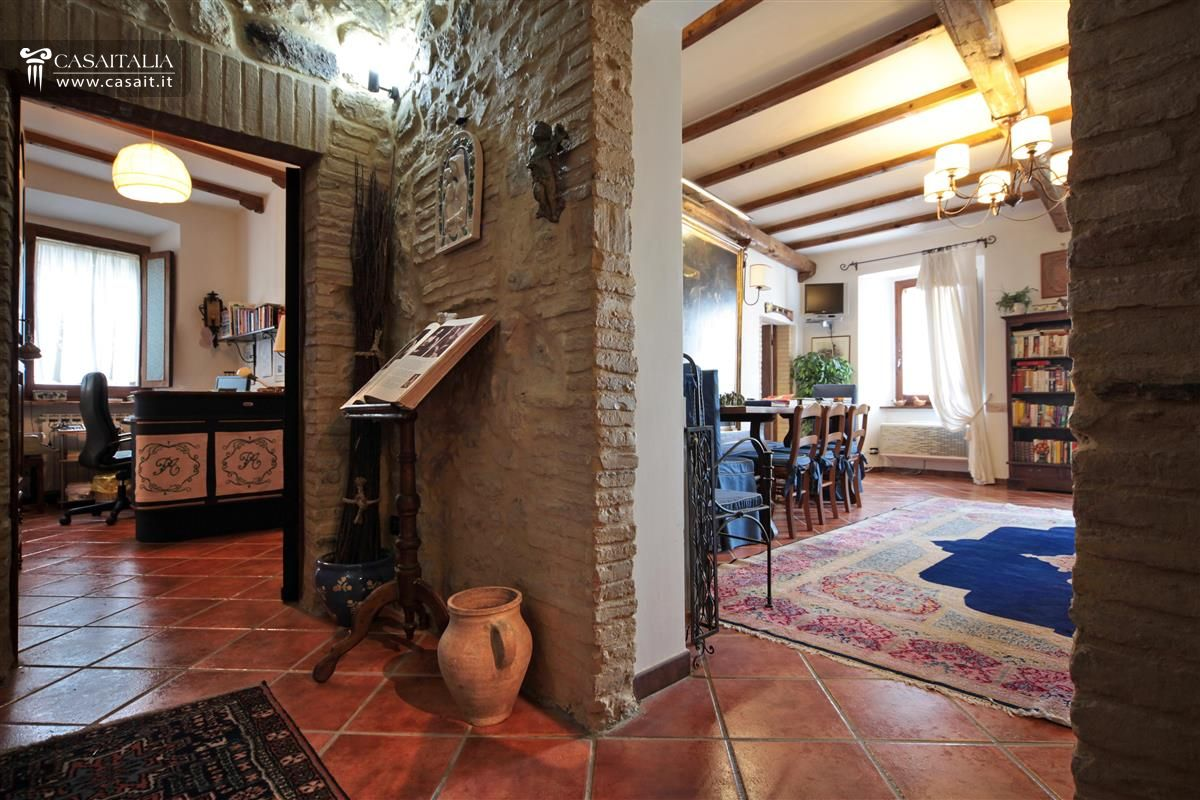 Ancient mansion for sale in Umbria