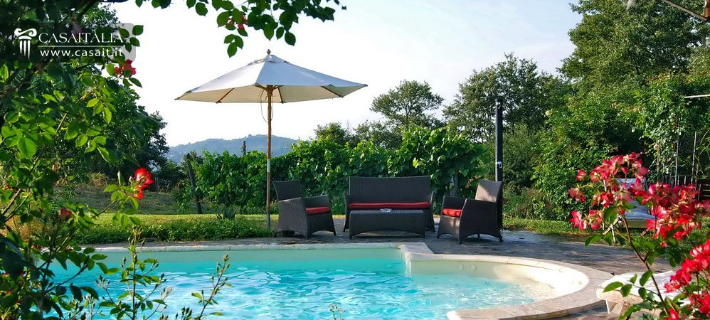 Country house for sale in orvieto umbria for Hotels in orvieto with swimming pool