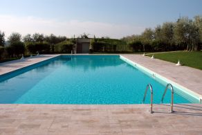 Apartment with swimming pool for sale in Tuscany