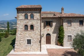 Farmhouse with tower for sale in Todi