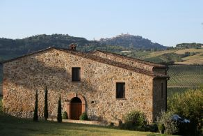 Farmhouse for sale in Montepulciano, Tuscany