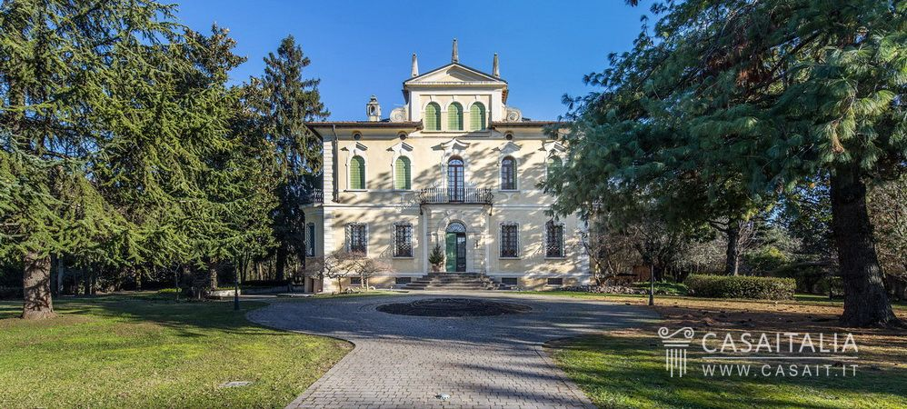 Historic villa for sale in Veneto, Verona