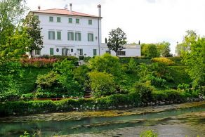 Villa with garden for sale in Treviso, Veneto
