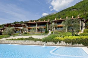Apartment for sale within Golf Club on Lake Garda