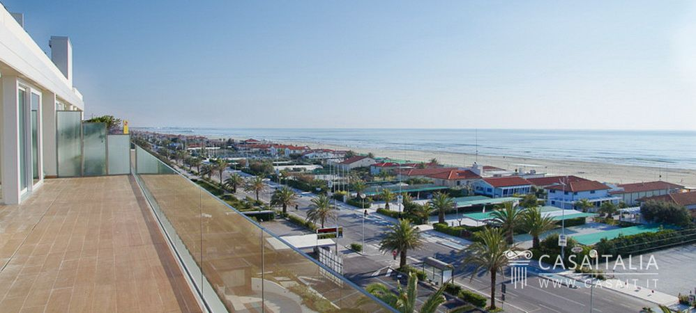 Luxury apartment for sale in Lido di Camaiore, Tuscany