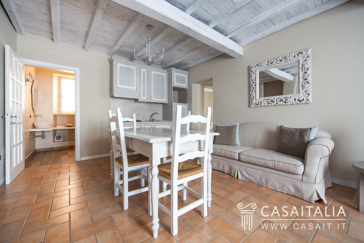 Farmhouse with apartments for sale in Umbria