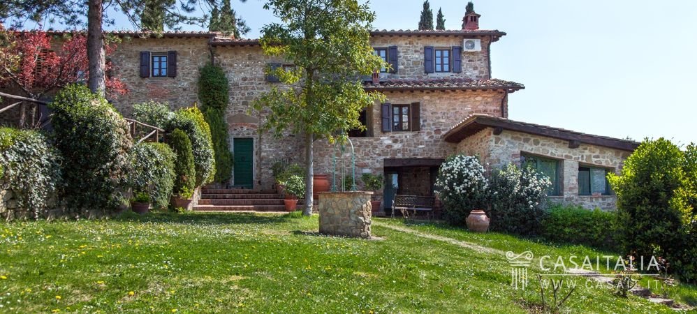 Farmhouse for sale in Tuscany, Casaitalia International