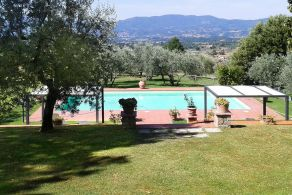 Farmhouse with swimming pool for sale in Tuscany - Reggello