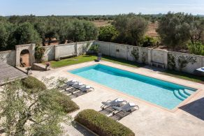 Farmhouse with swimming pool for sale in Puglia