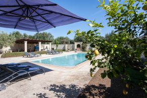 Villa with swimming pool for sale in Apulia