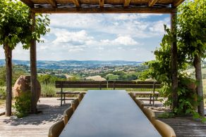 Luxury farmhouse for sale in Todi