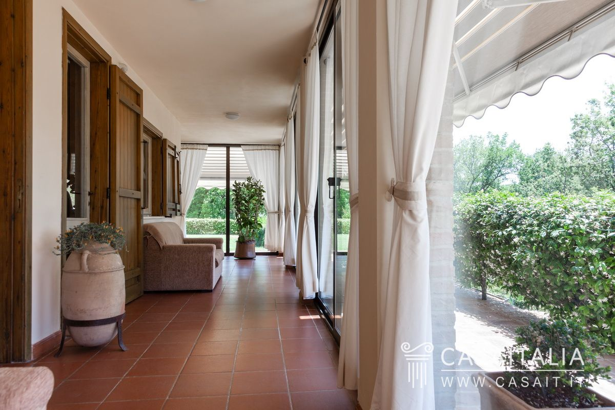 Farmhouse for sale in Assisi