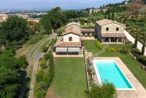 Casaitalia International - Luxury properties for sale in Umbria