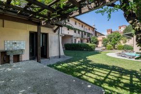 Villa, B&b, apartments with swimming pool for sale in Novara, Piedmont
