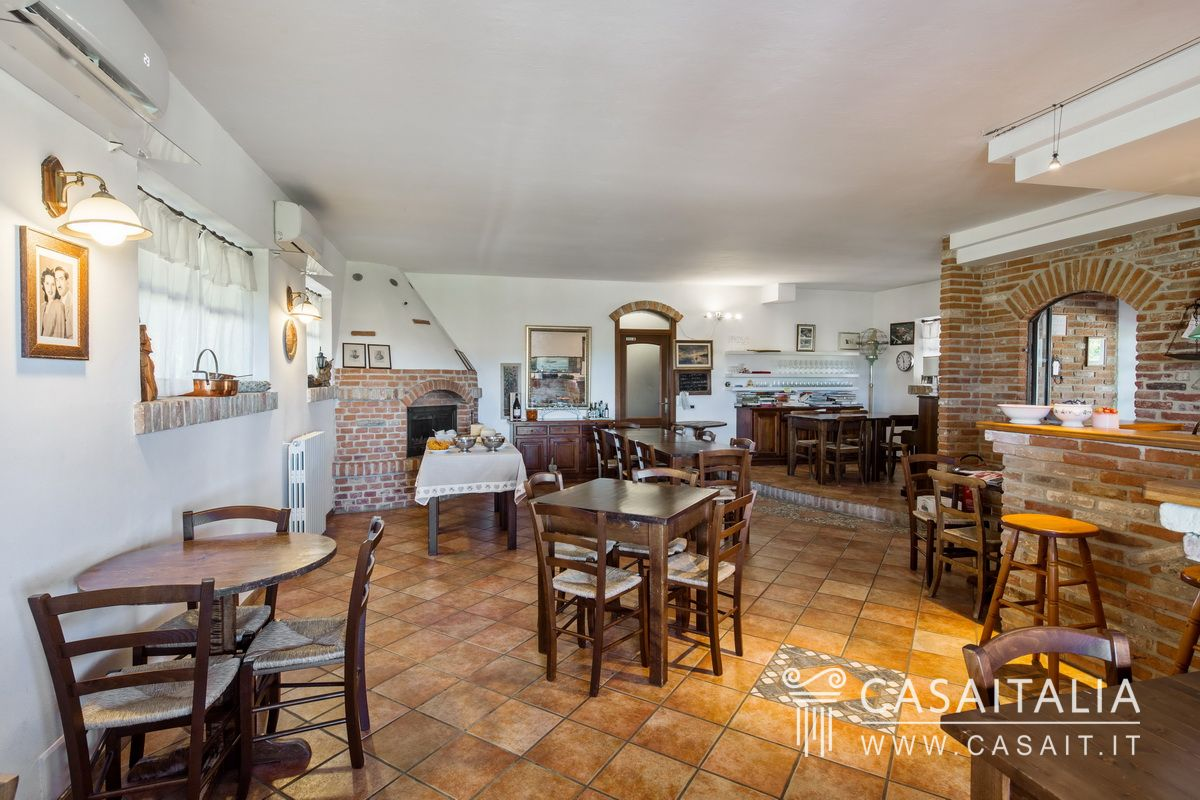 79681 Holiday Farm for sale in Montferrat, Piedmont