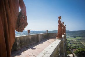 Palazzo with panoramic view for sale in Tuscany
