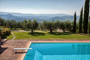 Vilal with pool for sale in Umbria - Todi