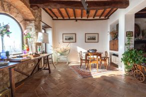 Restored apartment for sale in Todi