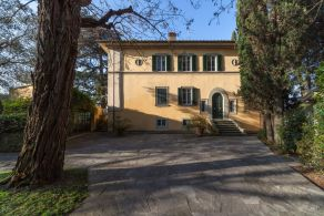 Period villa for sale in Tuscany, Fiesole