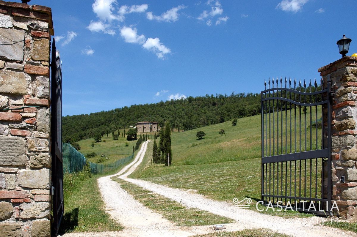 Country villa for sale in Umbria