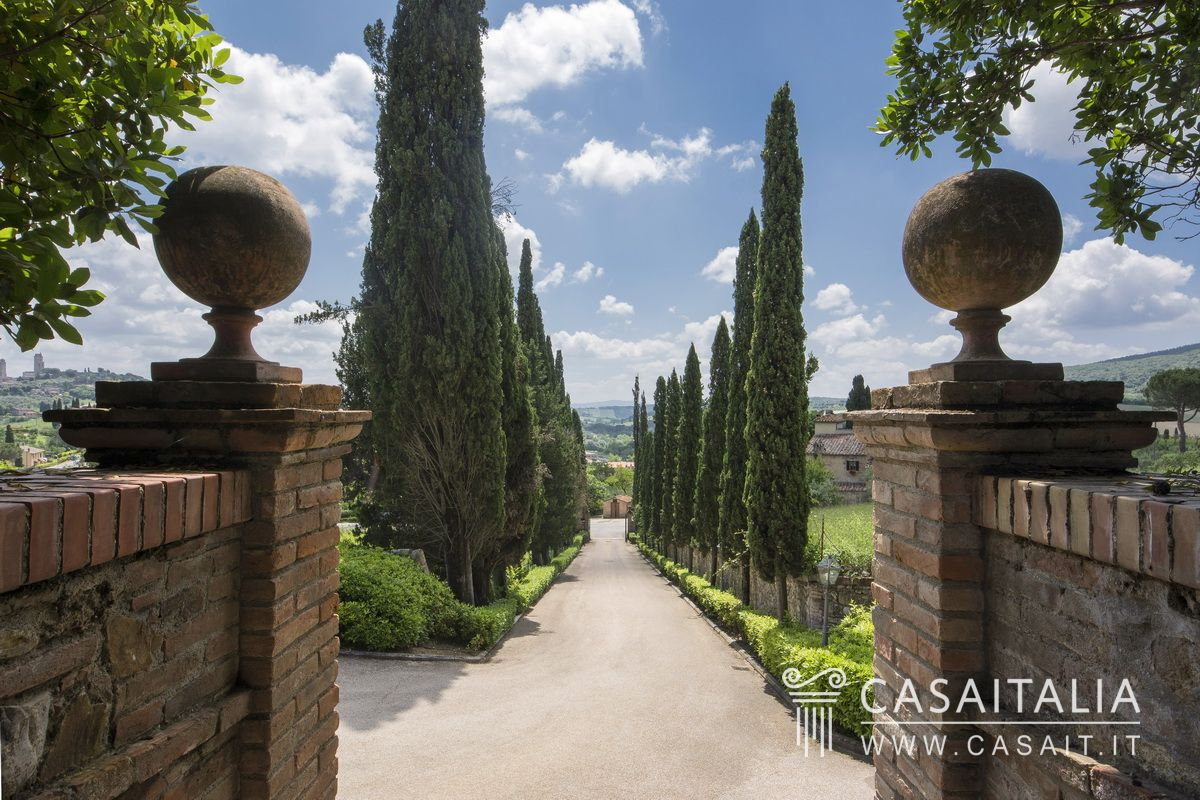 Luxury villa for sale in Tuscany, San Gimignano