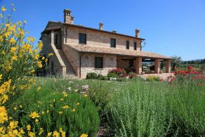 Umbria - Todi - Luxury farmhouse for sale