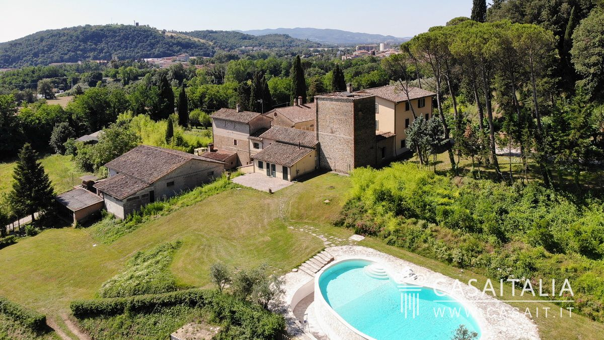 Historic villa for sale in Perugia, Umbria