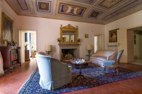 Historic villa for sale in Umbria