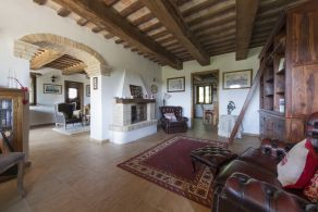Country house for sale in Le Marche