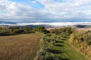 Country house for sale in Todi