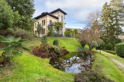 Villa for sale on Lake Maggiore