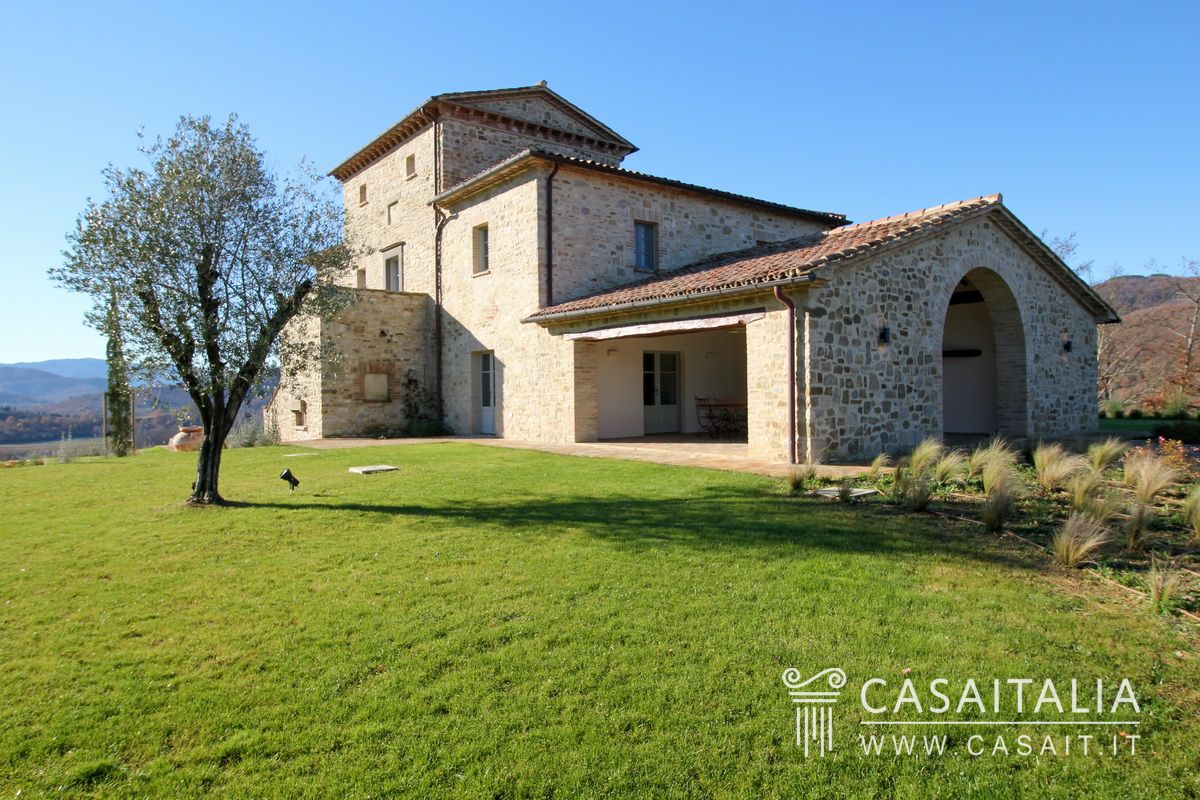 Country villa for sale in Val Niccone, Umbertide