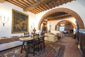 Luxury villa for sale in Tuscany, between Pisa and Livorno