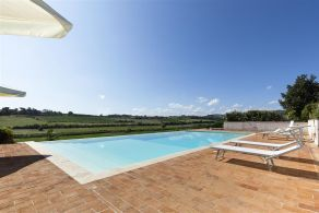 Luxury country villa for sale in Tuscany, Torrita di Siena