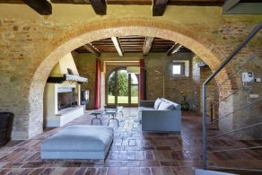 Luxury country villa for sale in Torrita di Siena