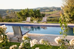 Panoramic villa with pool in Umbria
