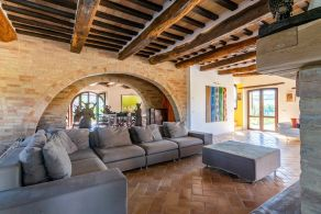 Luxury farmhouse for sale in Le Marche, Massa Fermana
