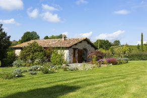 Farmhouse with outbuilding for sale between Gaiole in Chianti and Siena