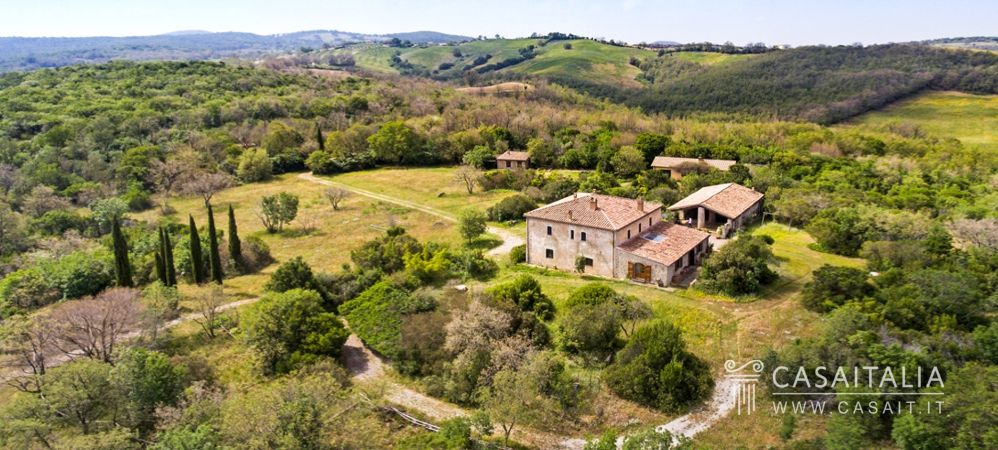 Villa with pool for sale in Maremma - Tuscany