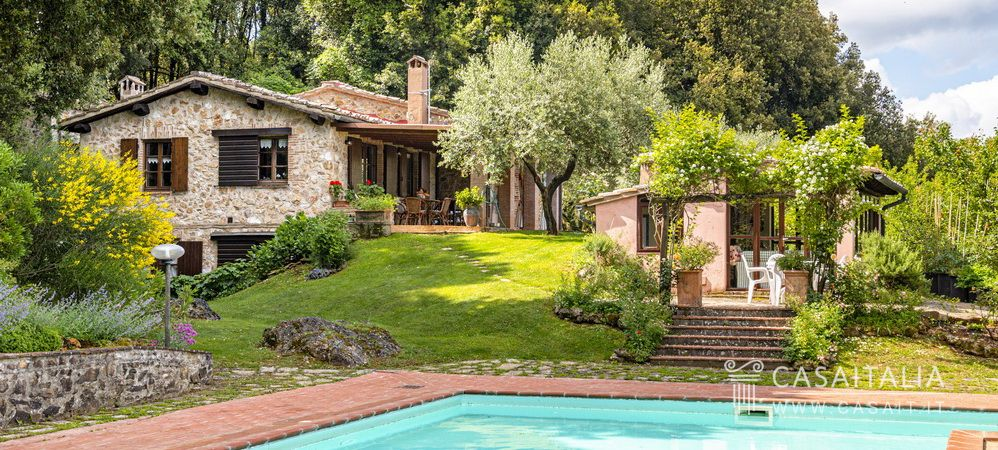 Country villa for sale in Tuscany, Casaitalia International
