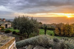 Country villa for sale in Umbria, Assisi