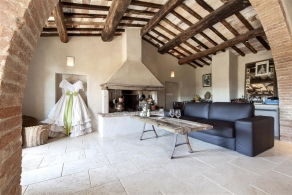 Tuscany - Restored farmhouse for sale
