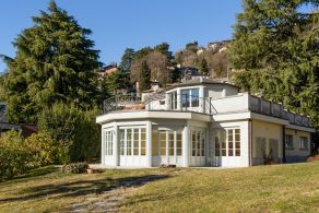 Luxury villa for sale in Como, Casaitalia International